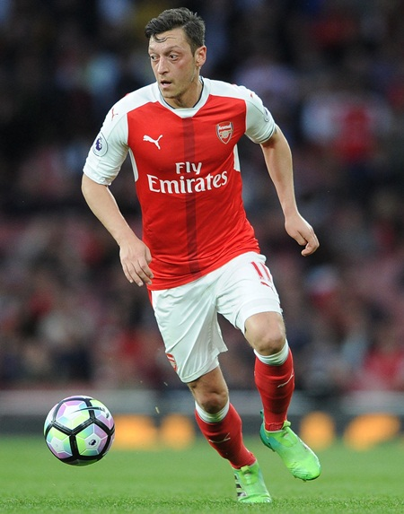 Mesut Ozil Height Weight Stats