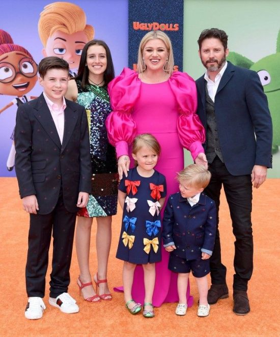 kelly_clarkson_family