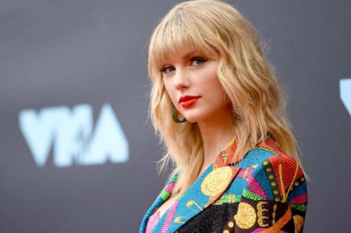 Taylor Swift Revealed As 'Mega Mentor' For Season 17 Of The Voice