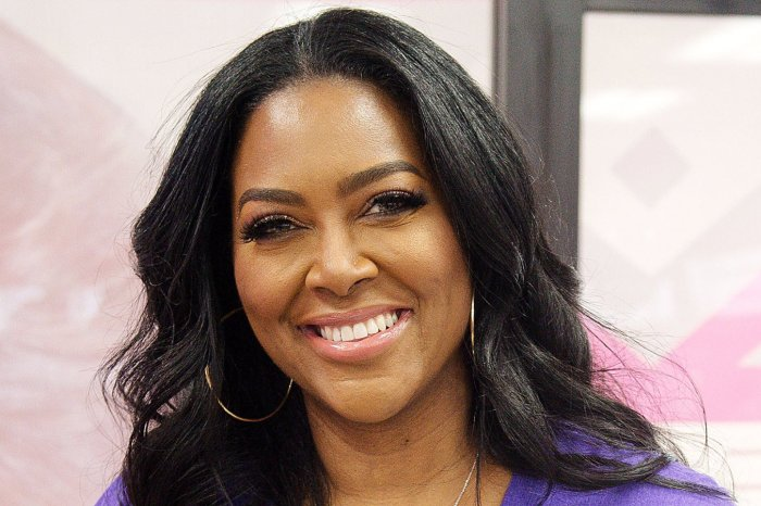 Kenya Moore Flaunts Her Curves In A Skin-Tight Outfit And Fans Are Gushing Over Her Beauty