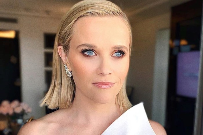 Reese Witherspoon Wore Roland Mouret With Tiffany Diamonds At 2020 Golden Globes