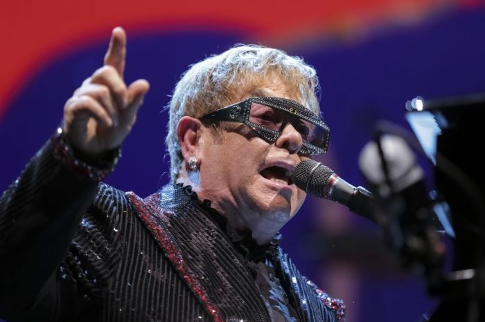 Elton John Postpones Tour Due To Coronavirus Concerns