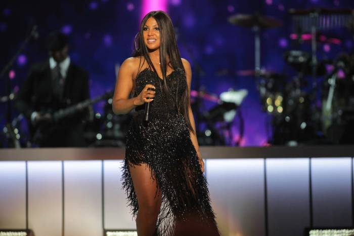 Toni Braxton's Latest Photo Has Fans Gushing Over Her Beauty