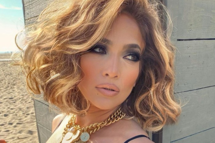 Jennifer Lopez Soaks Up Last Bits Of Summer In Age Defying Two Piece Bathing Suits