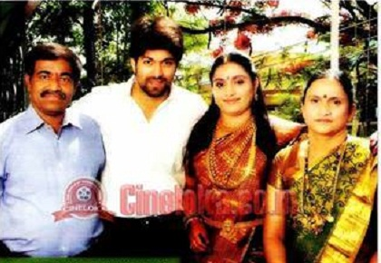 Yash Kannada Actor Family Photos - #traffic-club