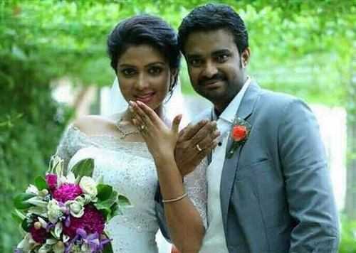 Amala Paul Family Childhood Photos Celebrity Family Wiki