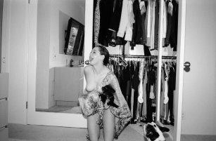 rose_mcgowan_topless_in_apartamento_magazine_issue_12_06
