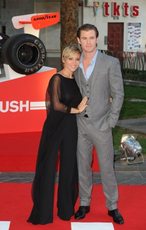elsa_pataky_at_the_premiere_of_rush_in_london_03