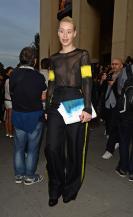iggy_azalea_see_thru_blouse_at_the_maison_martin_margiela_fashion_show_in_paris_171