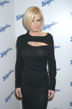 Jenny_McCarthy-5th_Anniversary_of_the_Sapphire_Club_in_Las_Vegas-01