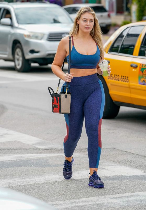 Iskra Lawrence in Tight Workout Clothes – Miami