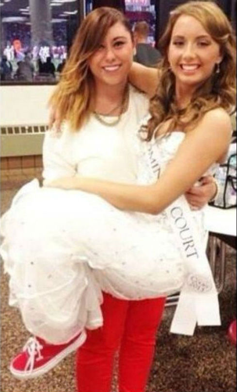 Sisters Alaina Marie Mathers and Hailie Scott marie mathers