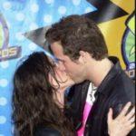 Ryan reynolds and Alanis Morissette kissing