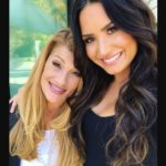Demi Lovato with her mother Dianna Lee Hart
