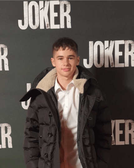 Louis Dunn - Age, Height, Movies, Biography, Husband, Net Worth, Wiki & More