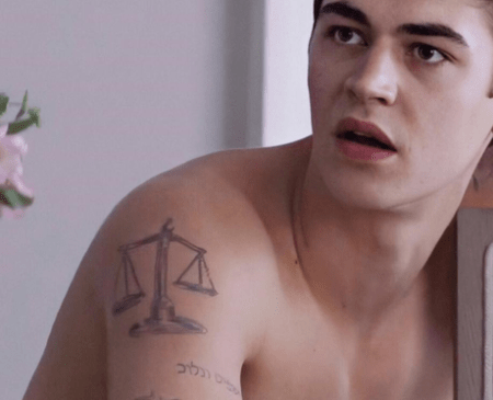 Hero Fiennes scale, Cage, snake tattoos