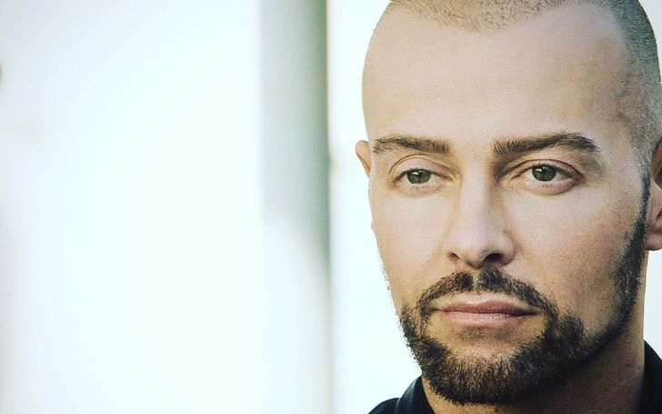 Who Is Joey Lawrence Dating; Also Learn His Net Worth