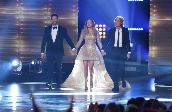 AMERICAN IDOL: Judges Harry Connick, Jr., Jennifer Lopez and Keith Urban open the AMERICAN IDOL Finale airing Thursday, April 7 (8:00-10:06 PM ET Live/PT tape-delayed) on FOX. © 2016 FOX Broadcasting Co. Cr: Ray Mickshaw/FOX