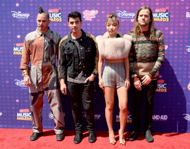 DNCE on the red carpet for the 2016 RDMAs (photo source: Mike Winkelmeyer/GettyImages)