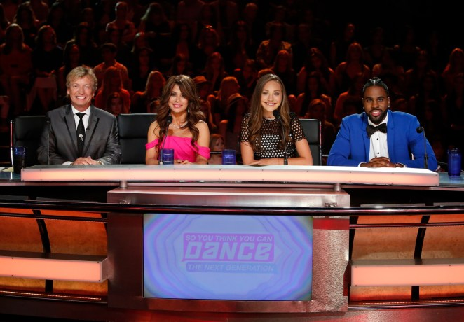 Resident judges Nigel Lythgoe, Paula Abdul, Maddie Ziegler and Jason Derulo on the Season Finale Episode of SO YOU THINK YOU CAN DANCE. ©2016 FOX Broadcasting Co. Cr: Adam Rose