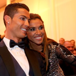 CristianoRonaldo-Marta-happy-smileyface-footballfamily