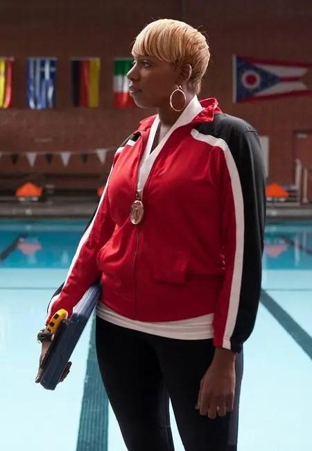 NeNe Leakes as 'Coach Roz Washington' in 'Glee'.