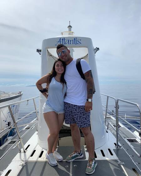 The beautiful couple Gleyber Torres and wife Elizabeth Torres traveled to Hawaii during the offseason in 2018.