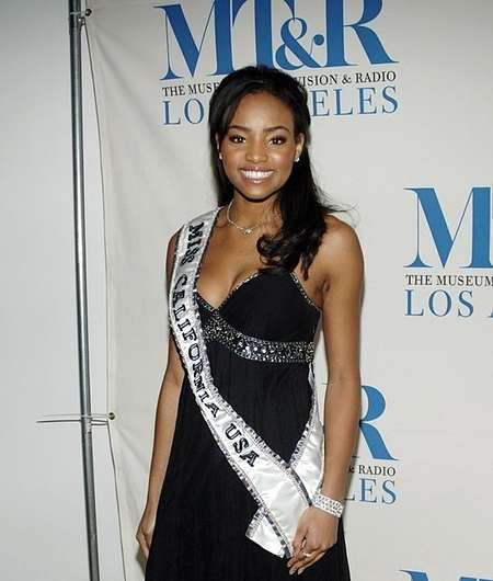 Batwoman star Meagan Tandy was the winner of Miss California USA 2006.