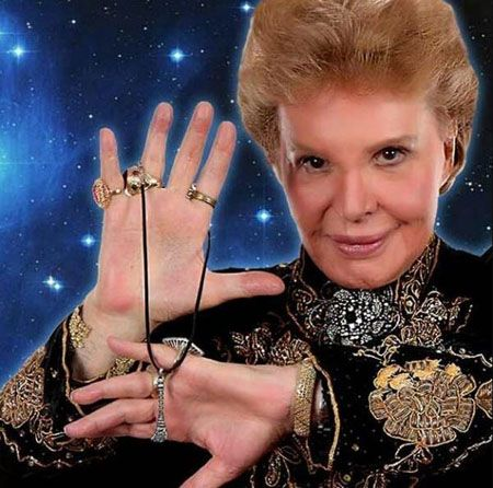 Walter Mercado Plastic Surgery seems to be real and the biggest suspect is his lips.
