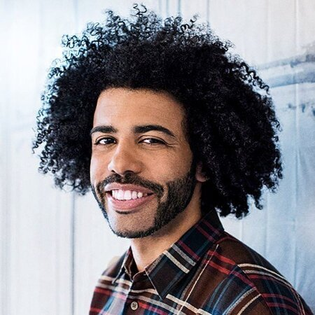 Daveed Diggs' net worth is estimated to be $750,000.