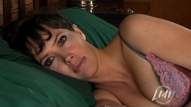 Can Janine turner breasts