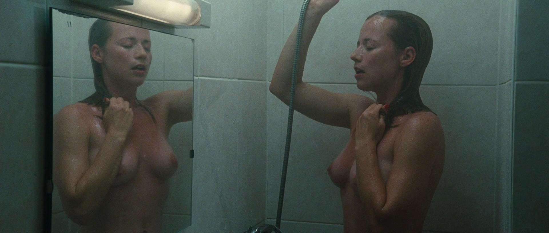 Karine Nude 92