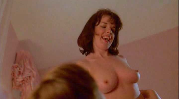 nackt Lisa Bronwyn Moore Lisa Bronwyn