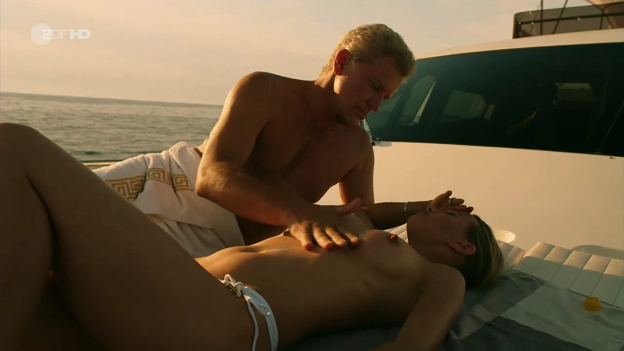 Samantha hoopes nipple