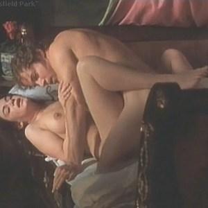 Victoria Hamilton  nackt