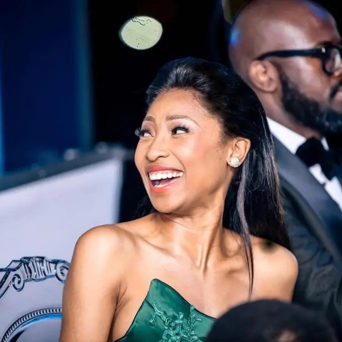 Mzansi reacts to Enhle Mbali sleeping in the dark while receiving R65k monthly from Black Coffee