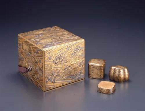 綾杉地獅子牡丹蒔絵十種香箱 慶安2年(1649) 江戸東京博物館/所蔵