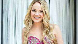 Danielle Bradbery Height, Weight, Age, Wiki, Biography, Net Worth, Facts
