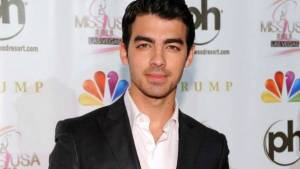 Joe Jonas Height, Weight, Age, Wiki, Biography, Net Worth, Facts
