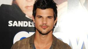 Taylor Lautner Height, Weight, Age, Wiki, Biography, Net Worth, Facts