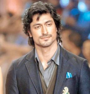 Vidyut Jammwal Height, Weight, Age, Biography, Wiki, Girlfriend, Family