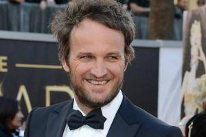 Jason Clarke Height, Weight, Age, Wiki, Biography, Net Worth, Facts