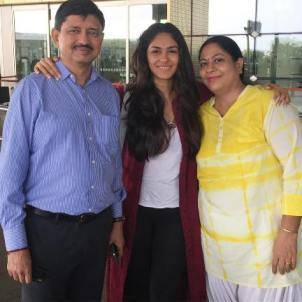 Mrunal with his parents