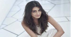 Pooja Hegde Height, Weight, Age, Boyfriend, Husband, Family, Wiki biography