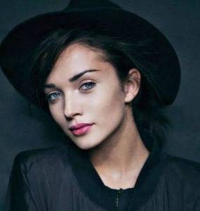 Amy Jackson Height, Weight, Age, Biography, Wiki, Boyfriend, Family