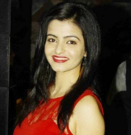 Simran Sharma Height Weight Age Wiki Biography Boyfriend & Family