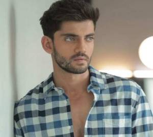 Zaheer Iqbal Height, Age, Weight, Wiki, Biography, Girlfriend & More