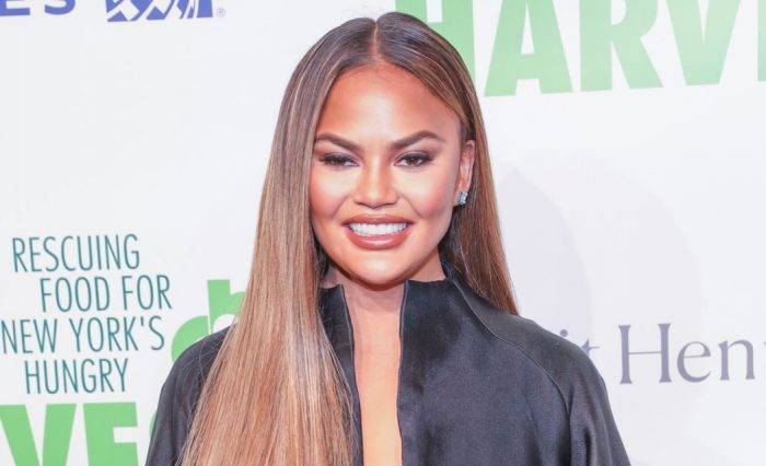 Chrissy Teigen Lifestyle, Wiki, Net Worth, Income, Salary