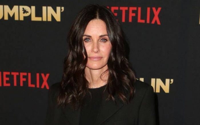 Courteney Cox Lifestyle, Wiki, Net Worth, Income, Salary, House, Cars, Favorites, Affairs, Awards, Family, Facts & Biography