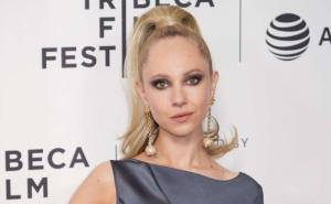 Juno Temple Lifestyle, Wiki, Net Worth, Income, Salary, House, Cars, Favorites, Affairs, Awards, Family, Facts & Biography